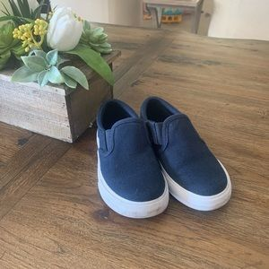 Place shoes size 10. Worn once